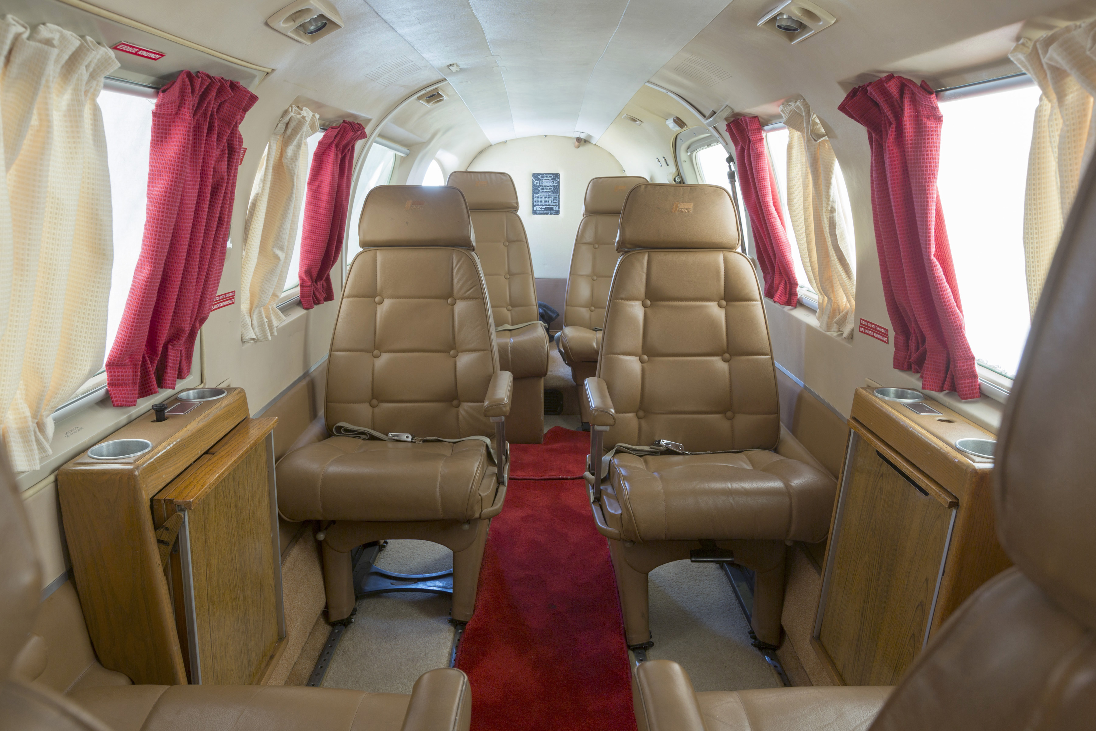 Piper-PA-31-Chieftain_Interior.jpg